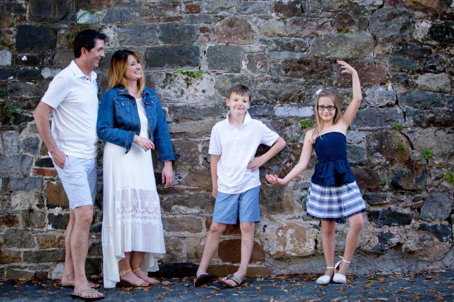 family on riverstreet on cobblestones -Diane Dodd Photography - Savannah Georgia