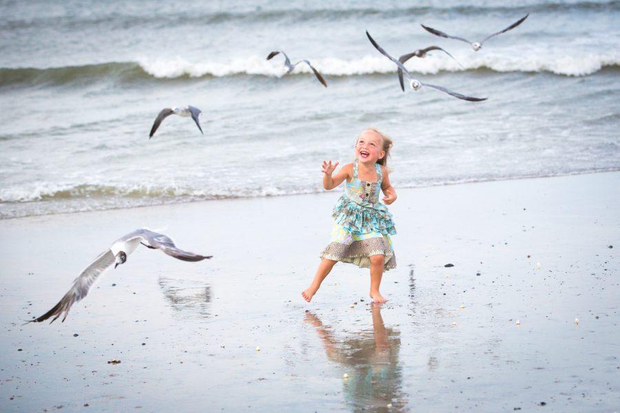 girl playing on beach -Diane Dodd Photography - Savannah Georgia